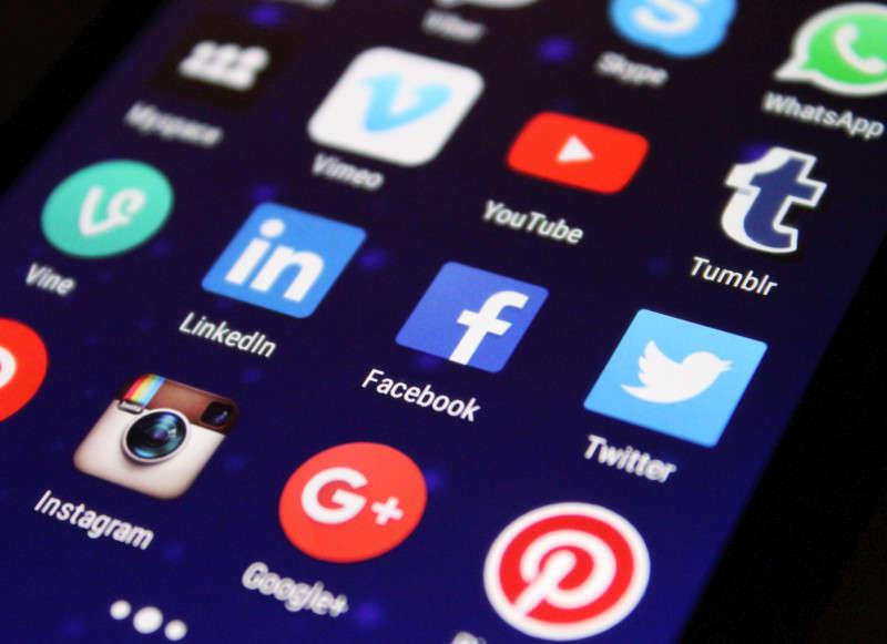 Hubungkan Media Sosial dengan Situs Website Kamu Sekarang Juga !