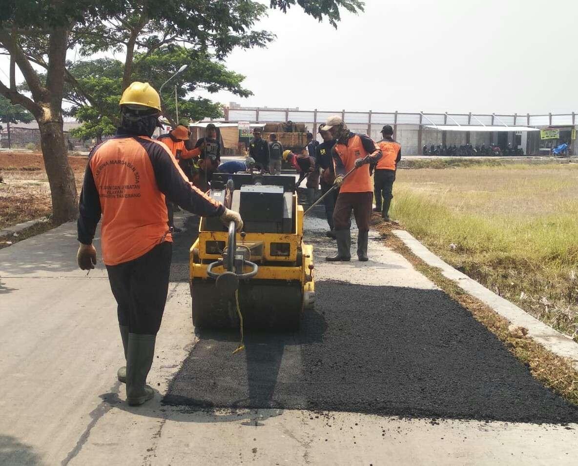 Berikan Kenyamanan Untuk Penguna Jalan , UPT VI Sigap Lakukan Tambal Sulam Jalan