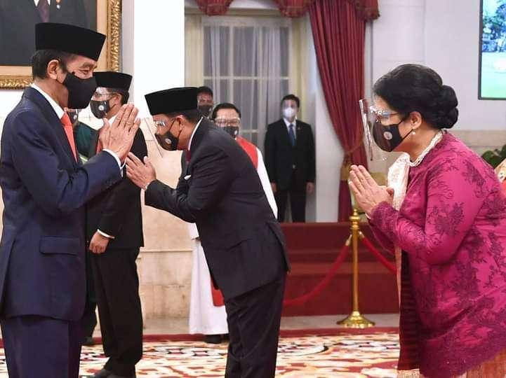 Presiden Joko Widodo Melantik 12 Duta Besar Luar Biasa