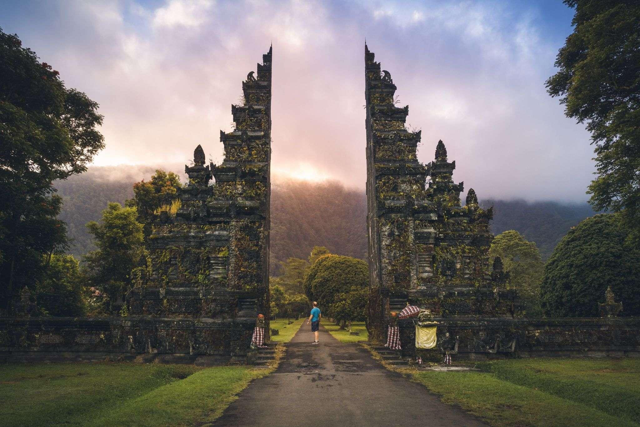 Handara Gate & Beratan Lake Tour (Instagramable Tour)