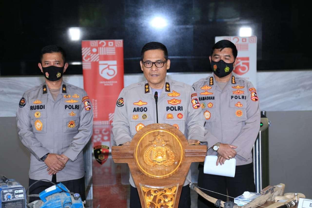 Tim Detasemean khusus Densus 88 Ungkap Bungker Persembunyian Teroris Upik Lawanga