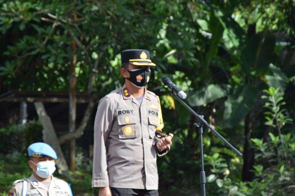 Kapolres Badung Pimpin Apel Kesiapan Pengamanan Natal Dan Tahun Baru 2021