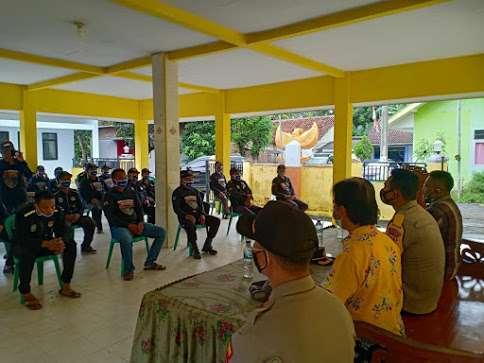 Kapolres Eka Yekti Silaturahmi dan Berikan Arahan SKD Desa Sukosari Kecamatan Jatiroto Lumajang