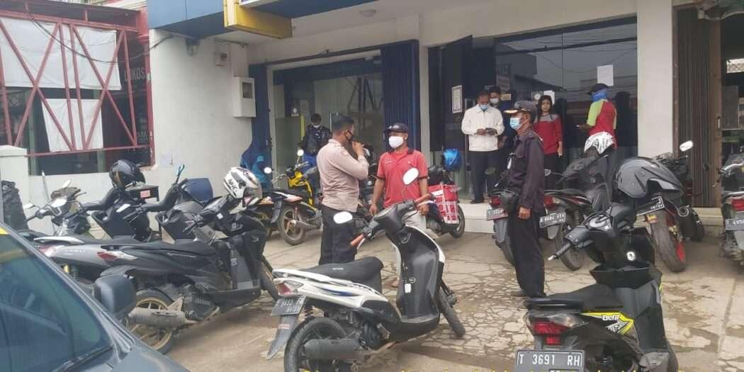 Patroli Perbankan Polsek Klari Himbau Security
