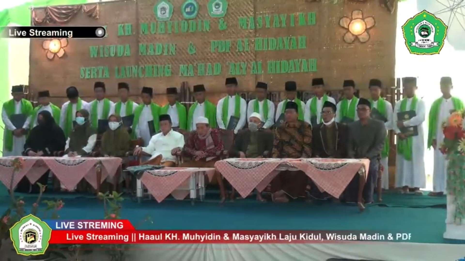 Ponpes Lajokidul dan Yayasan Al Hidayah Lajokidul Singgahan Gelar Wisuda Dan Launching Ma'had Aly